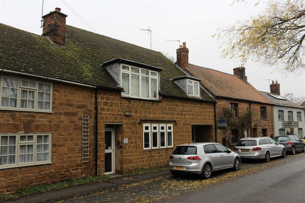 2 Bedrooms Flat for sale in Brook Street, Fenny Compton, CV47