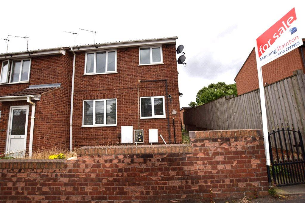 2 Bedrooms Apartment Flat for sale in Flat 5, Cow Close Road, Leeds, West Yorkshire