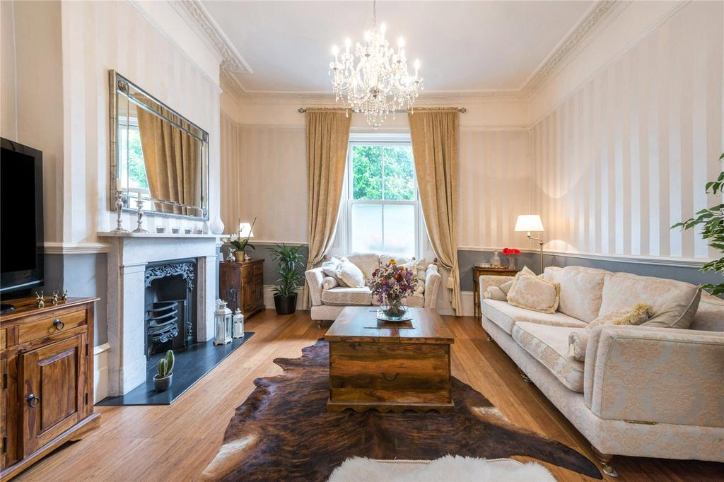 3 Bedrooms Flat for sale in Balls Pond Road, Islington, London