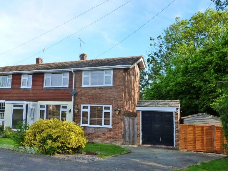 4 Bedrooms House for sale in Bell Lane, Staplehurst, Kent, TN12 0BA