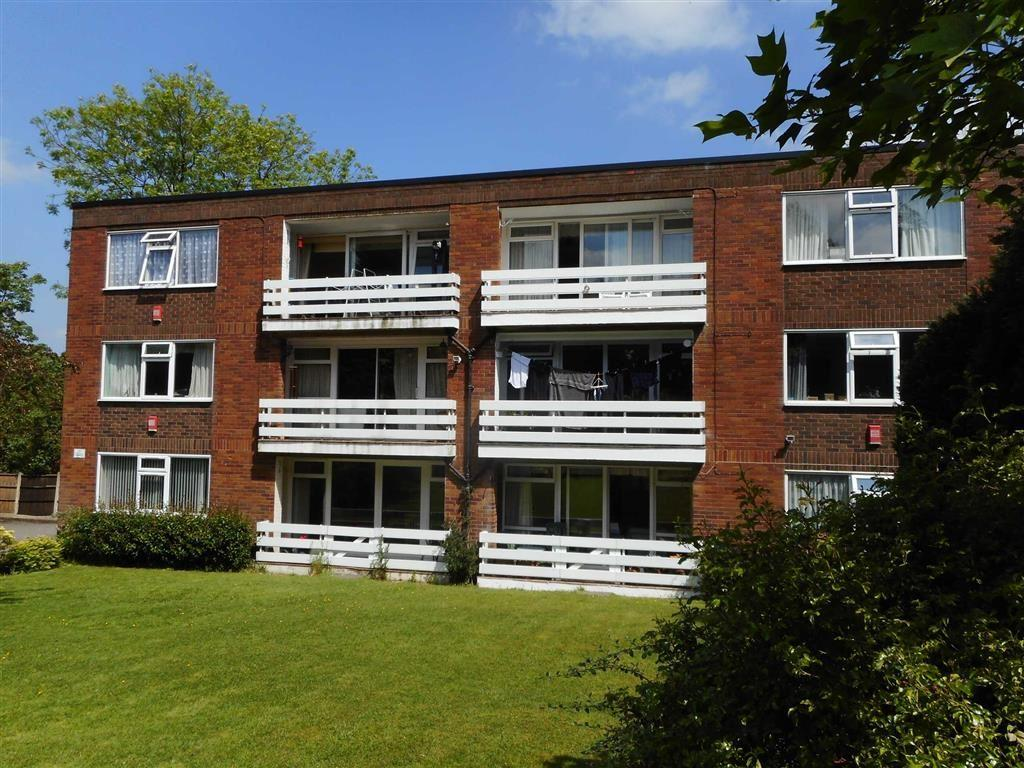 2 Bedrooms Flat for sale in Park Hall Close, Walsall, West Midlands