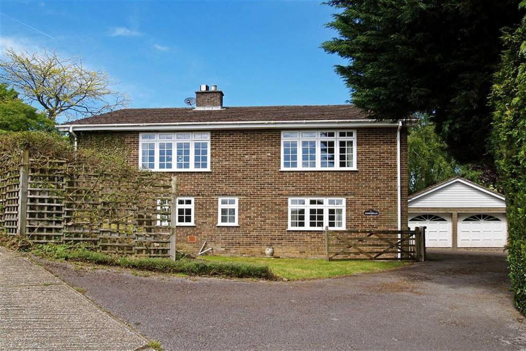 3 Bedrooms Detached House for sale in Glebe Road, Fernhurst, Haslemere, Surrey, GU27