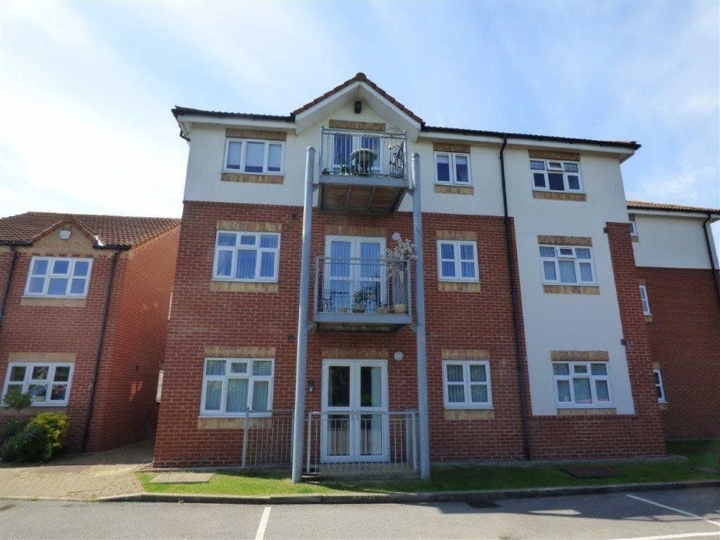 2 Bedrooms Apartment Flat for sale in Birch Tree Drive, Hedon, East Yorkshire, HU12