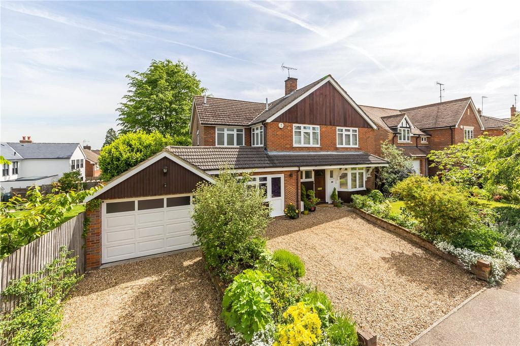 4 Bedrooms Detached House for sale in Rosebery Avenue, Harpenden, Hertfordshire