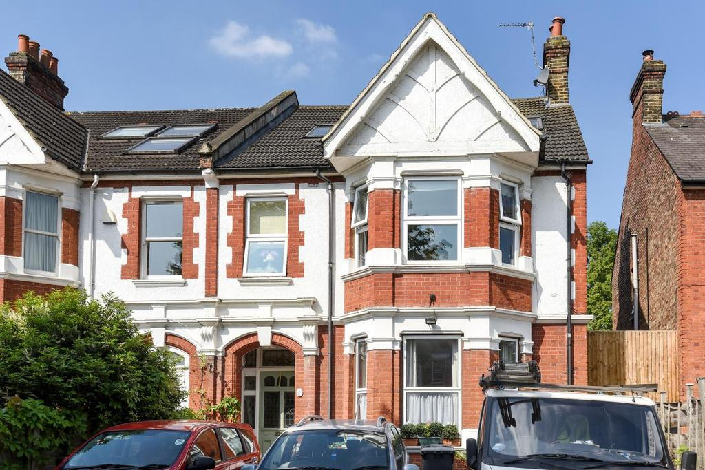 3 Bedrooms Flat for sale in Twyford Avenue, Acton