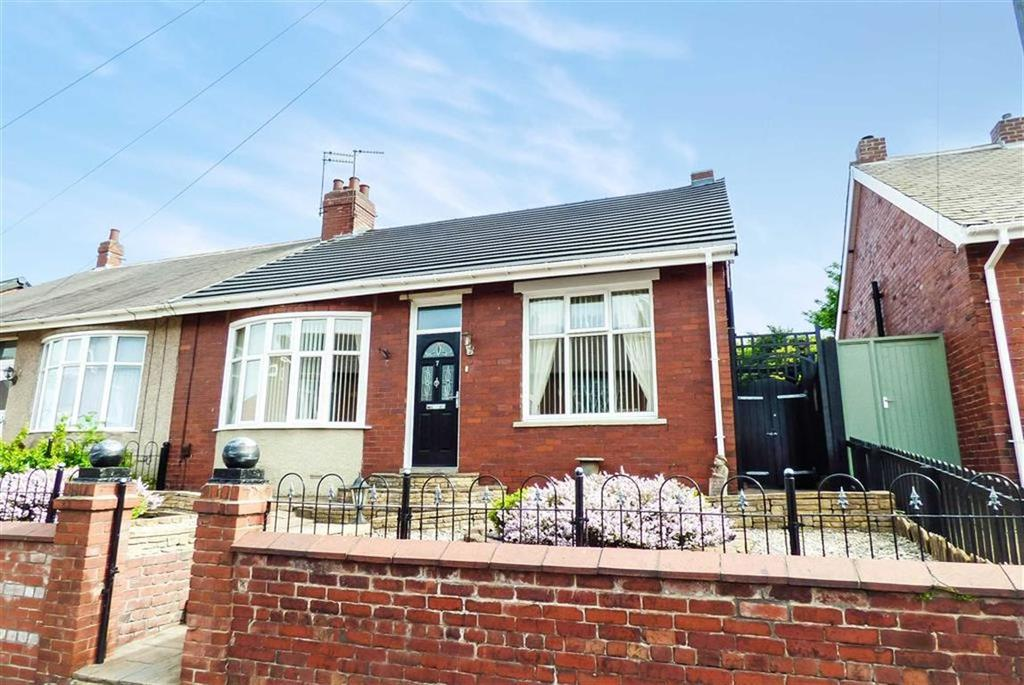3 Bedrooms Semi Detached House for sale in Highbury Place, North Shields, Tyne And Wear