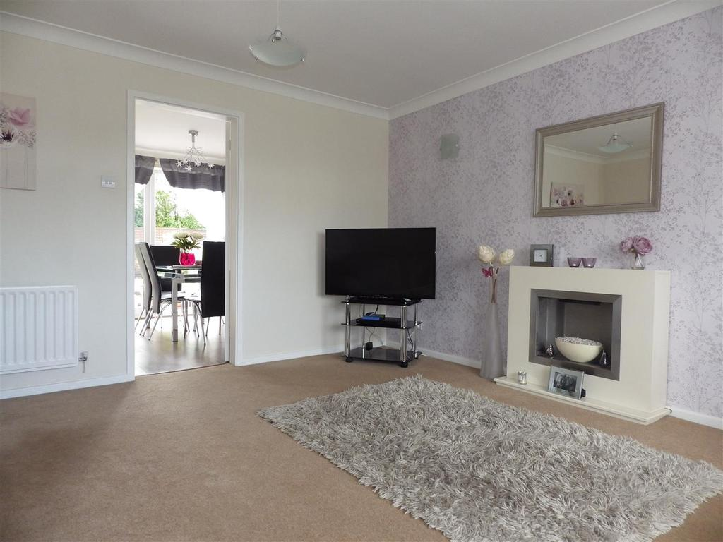 4 Bedrooms Detached House for sale in Radbourne Drive, Halesowen