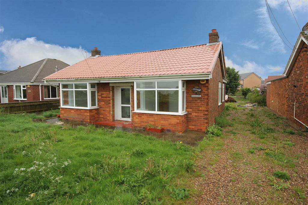 3 Bedrooms Detached Bungalow for sale in Ravendale, Golf Road, Mablethorpe