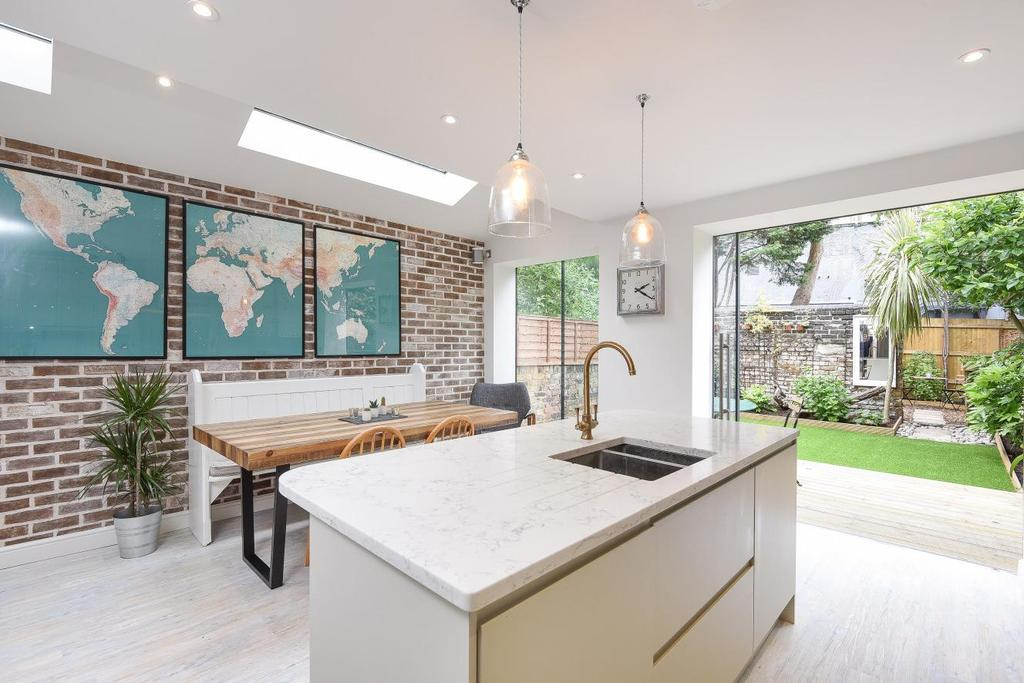 4 Bedrooms Terraced House for sale in Wadham Road, Putney, SW15