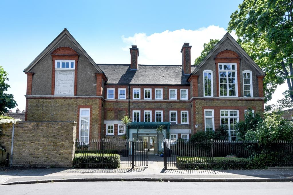 2 Bedrooms Flat for sale in Catherine Grove London SE10