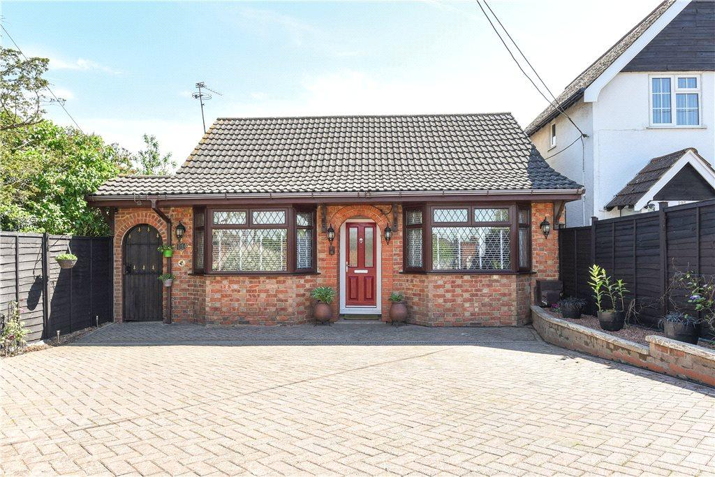 3 Bedrooms Detached Bungalow for sale in Wollaston Road, Irchester, Northamptonshire