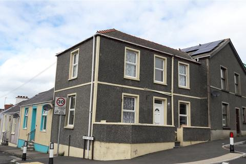 2 bedroom end of terrace house for sale - North Street, Pembroke Dock, Pembrokeshire