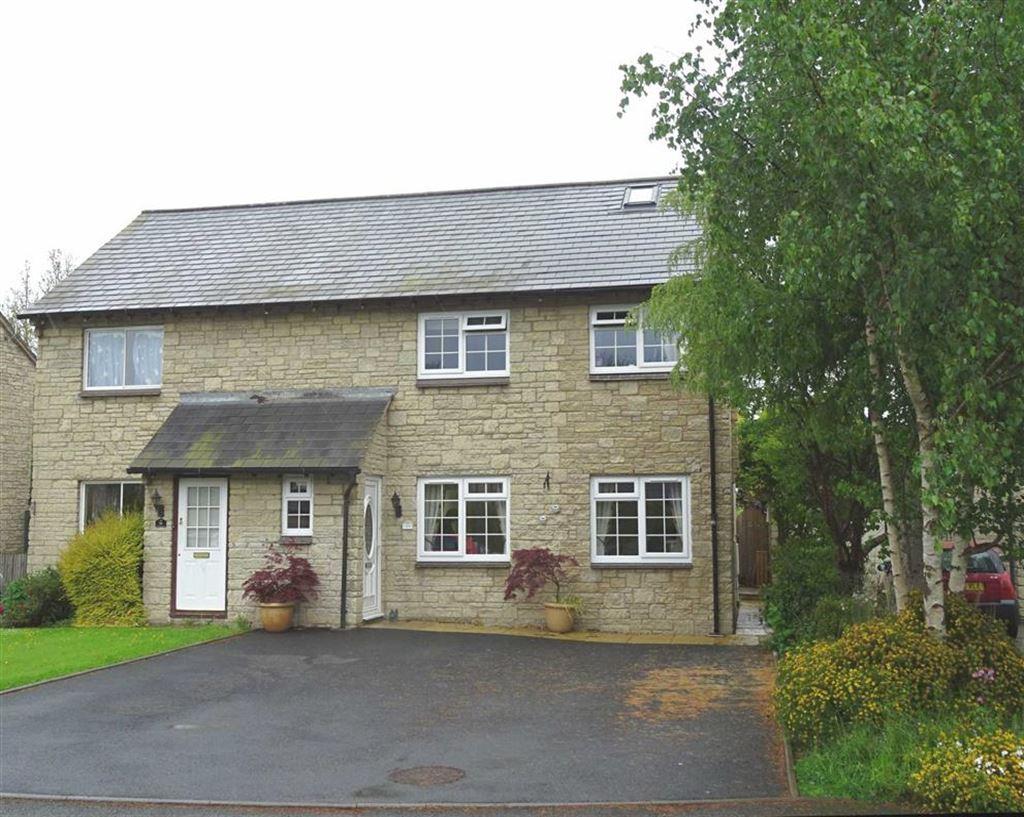 3 Bedrooms Semi Detached House for sale in 11, Maes Yr Afon, Llanrhaeadr Ym Mochnant, Powys, SY10