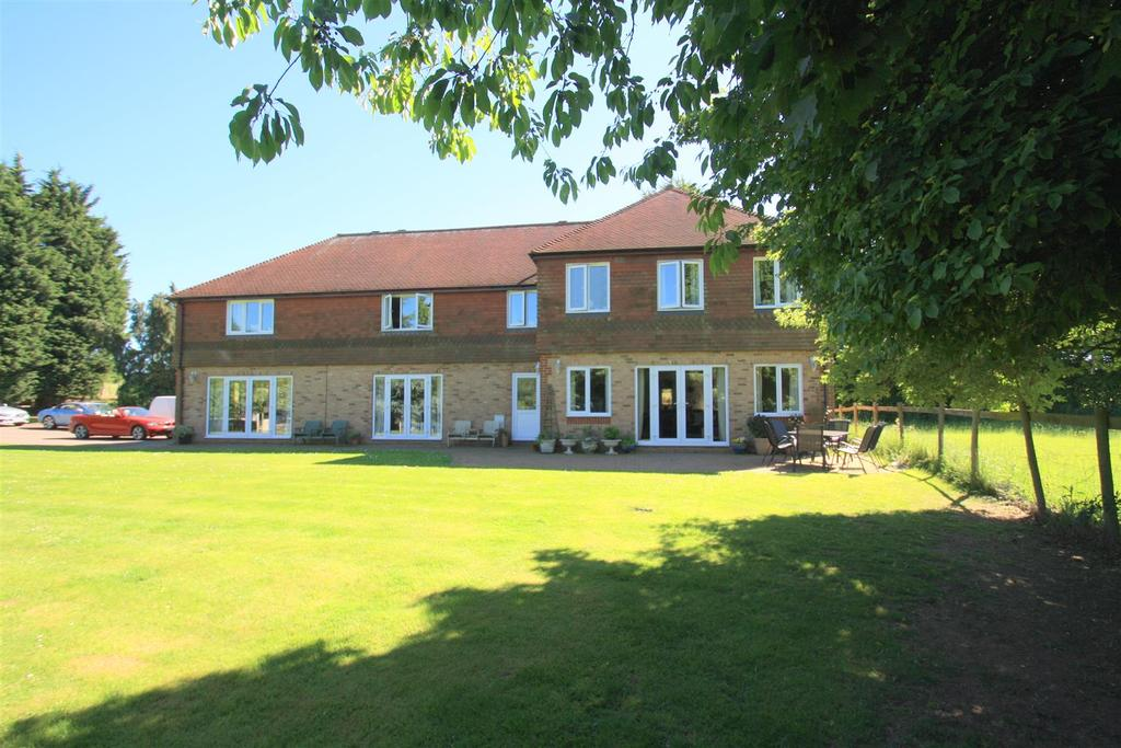 6 Bedrooms Equestrian Facility Character Property for sale in Water Lane, Ulcombe, Maidstone