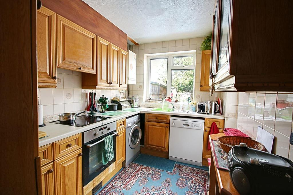 3 Bedrooms End Of Terrace House for sale in Heart Of Bury Park