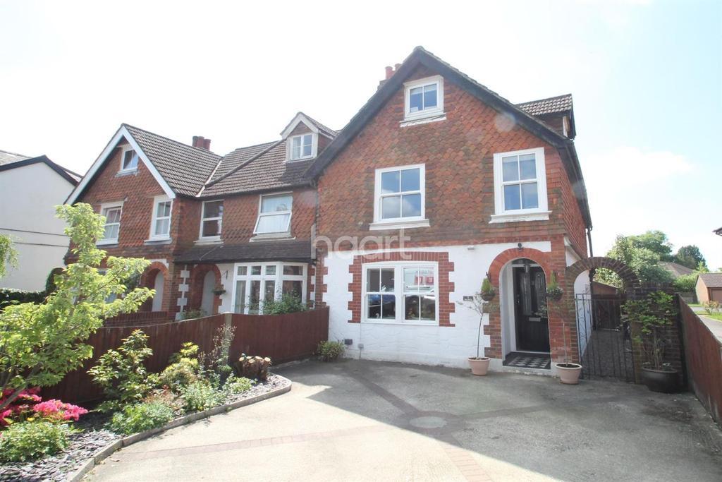 3 Bedrooms End Of Terrace House for sale in Headley Road, Grayshott