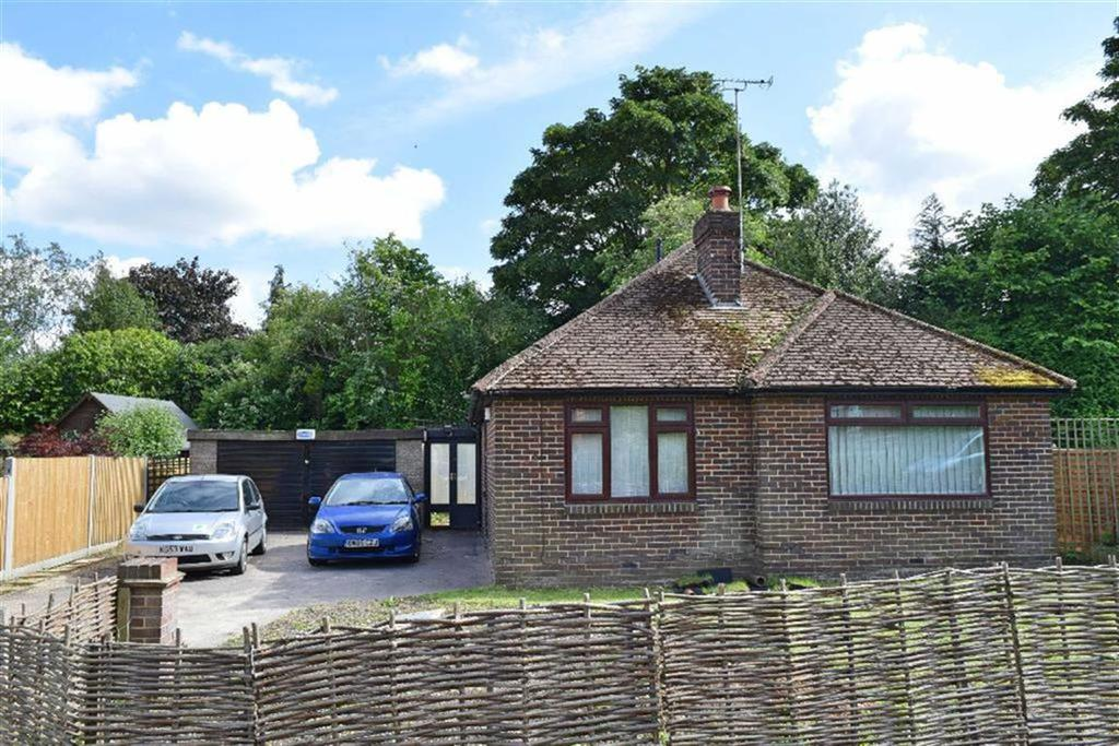 4 Bedrooms Detached House for sale in Homefield Road, Riverhead, TN13