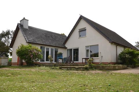 4 bedroom property with land for sale - Felinwynt
