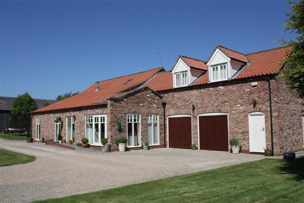 4 Bedrooms Barn Conversion Character Property for sale in Skirpenbeck, York, East Yorkshire