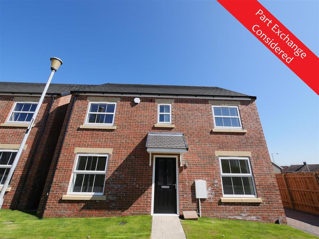 4 Bedrooms Detached House for sale in Farrington Avenue, East Herrington,, Sunderland