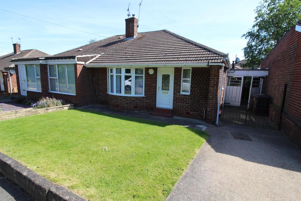 2 Bedrooms Semi Detached Bungalow for sale in Cranwell Drive, Woodlands Park