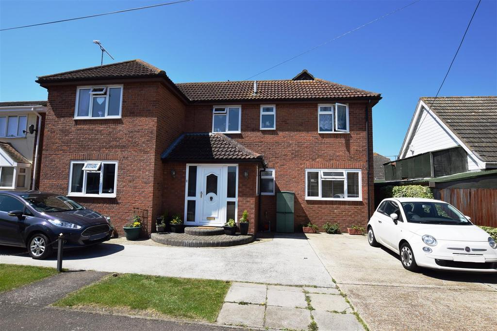 4 Bedrooms Detached House for sale in Munsterburg Road, Canvey Island