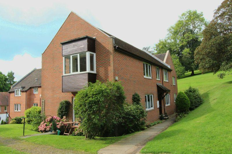 2 Bedrooms Flat for sale in Sidmouth