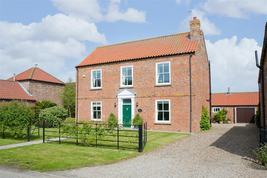 4 Bedrooms Detached House for sale in Moat Farmhouse, Gribthorpe, East Riding of Yorkshire