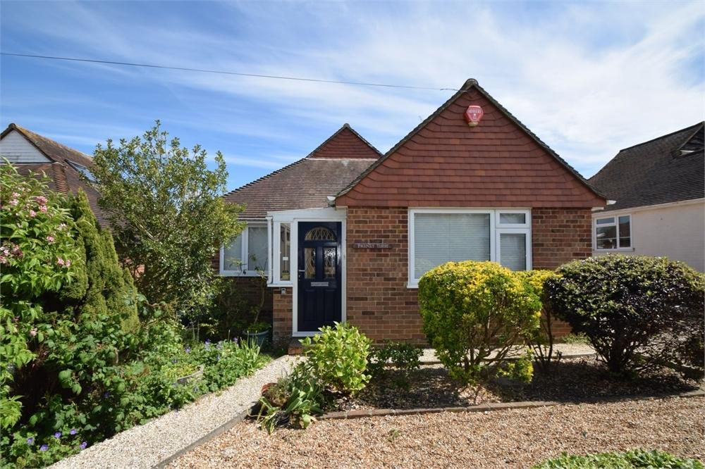 3 Bedrooms Detached Bungalow for sale in Combe Rise, Lower Willingdon, East Sussex