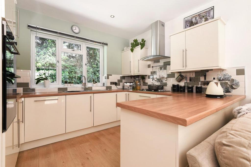 1 Bedroom Bungalow for sale in Hervey Road, Blackheath, SE3