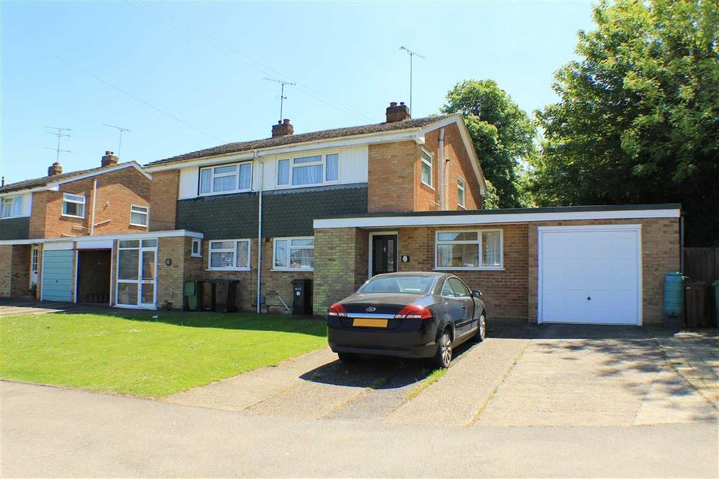 3 Bedrooms Semi Detached House for sale in Slimmons Drive, St Albans, Hertfordshire