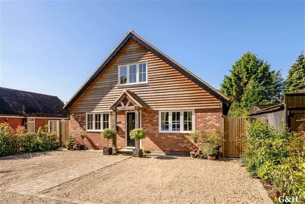 4 Bedrooms Chalet House for sale in Orchard Lane, Kennington, Ashford
