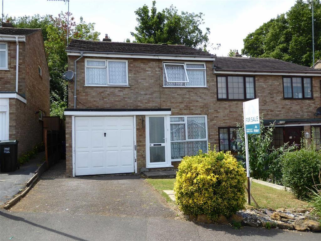 4 Bedrooms Semi Detached House for sale in Valley Road, Banbury