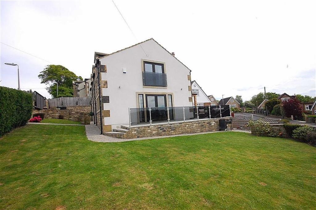 4 Bedrooms Detached House for sale in Fenay Bankside, Fenay Bridge, Huddersfield, HD8