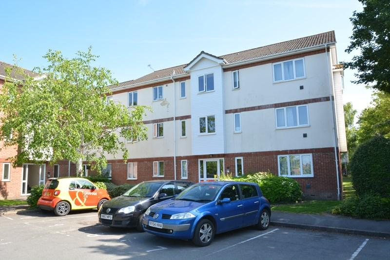 2 Bedrooms Flat for sale in Walled Meadow, Andover