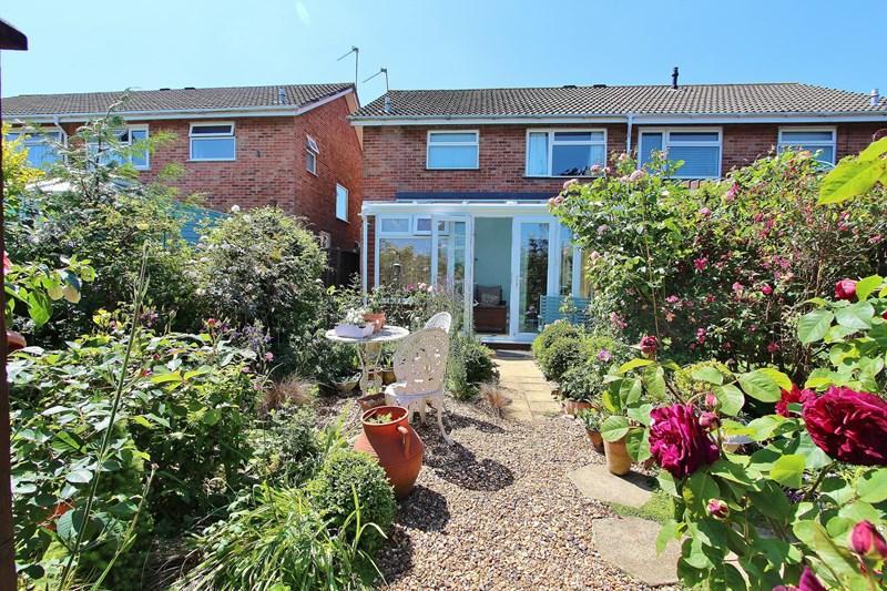 3 Bedrooms Semi Detached House for sale in Hurn Lane, Keynsham, Bristol
