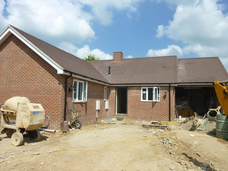 3 Bedrooms Detached House for sale in Burford Road, Carterton, Oxon