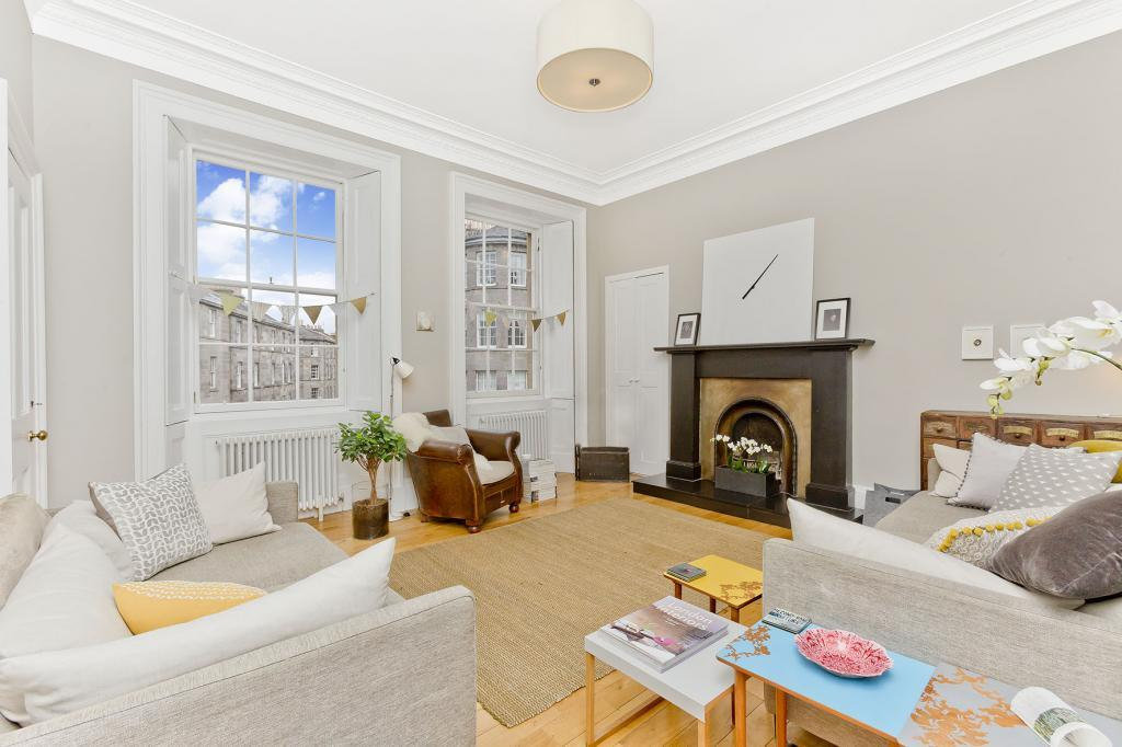 4 Bedrooms Flat for sale in 27/4 North West Circus Place, Stockbridge, EH3 6TP