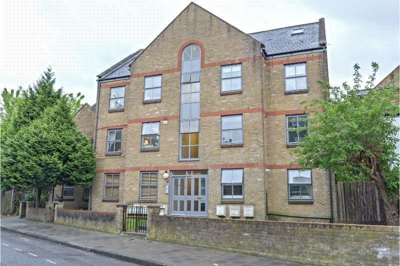 2 Bedrooms Flat for sale in Wilton Way, London, E8