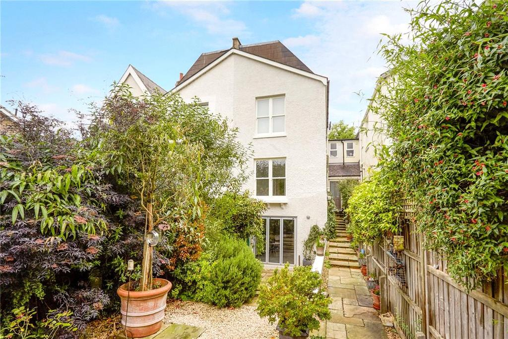 5 Bedrooms Semi Detached House for sale in Hurst Road, East Molesey, Surrey, KT8