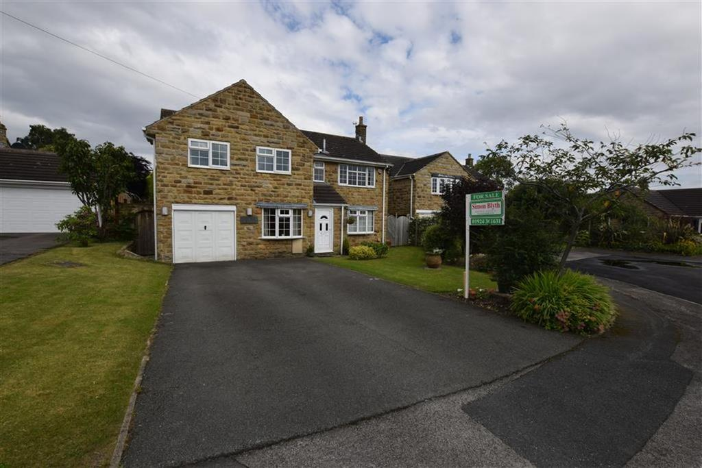 5 Bedrooms Detached House for sale in Stoneybrook Close, West Bretton, Wakefield, WF4