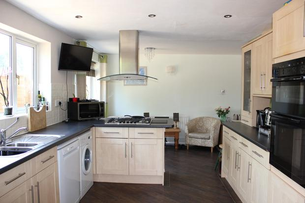 5 Bedrooms Semi Detached House for sale in Peregrine Road, Broughton Astley, Leicester, LE9