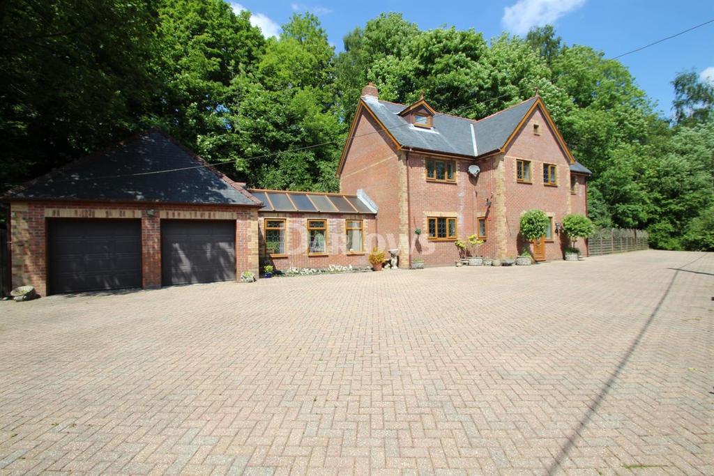 6 Bedrooms Detached House for sale in Rogart Terrace, Pontypridd