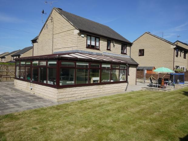 4 Bedrooms Detached House for sale in School Green Rastrick Brighouse