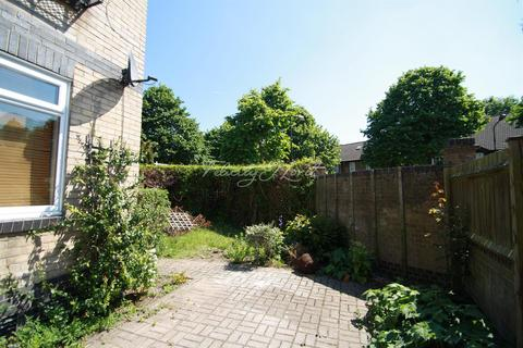 2 bedroom house to rent - Timber Pond Road, SE16