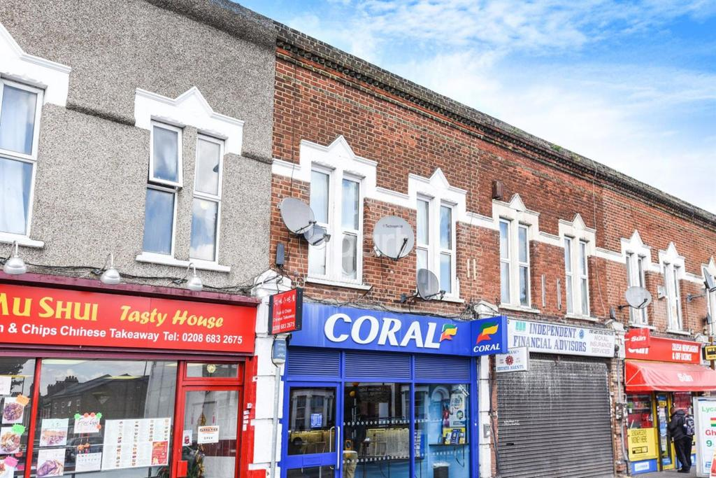 2 Bedrooms Flat for sale in Brigstock Road, Thornton Heath, CR7