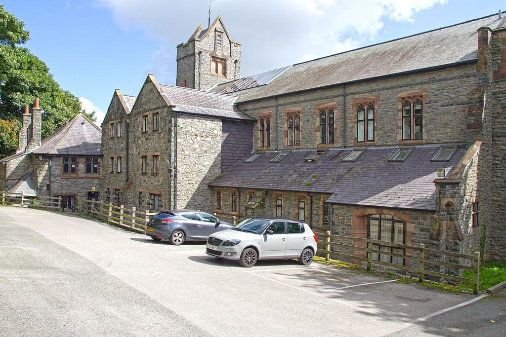 2 Bedrooms Apartment Flat for sale in Tabernacle Chapel, Garth Road, Bangor, North Wales