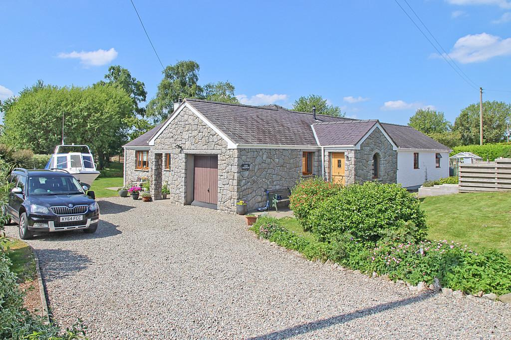 3 Bedrooms Detached Bungalow for sale in Caerhun, Bangor, North Wales