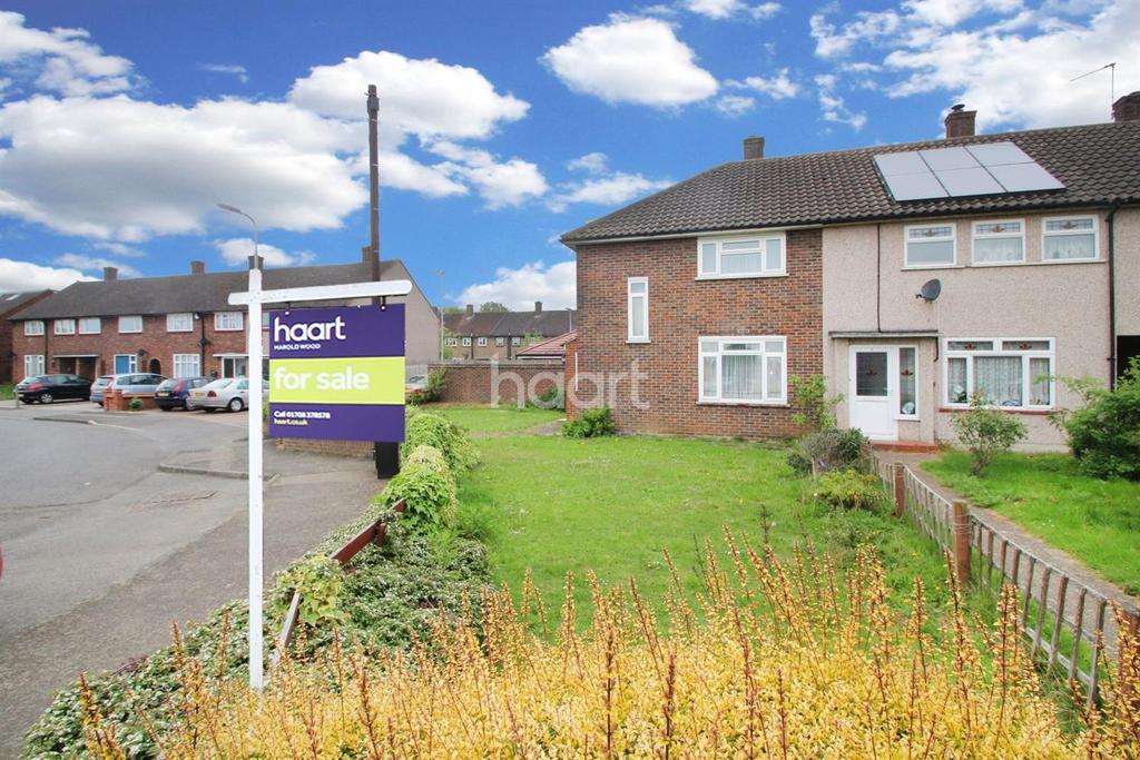 2 Bedrooms End Of Terrace House for sale in Daventry Green, RM3 7QH