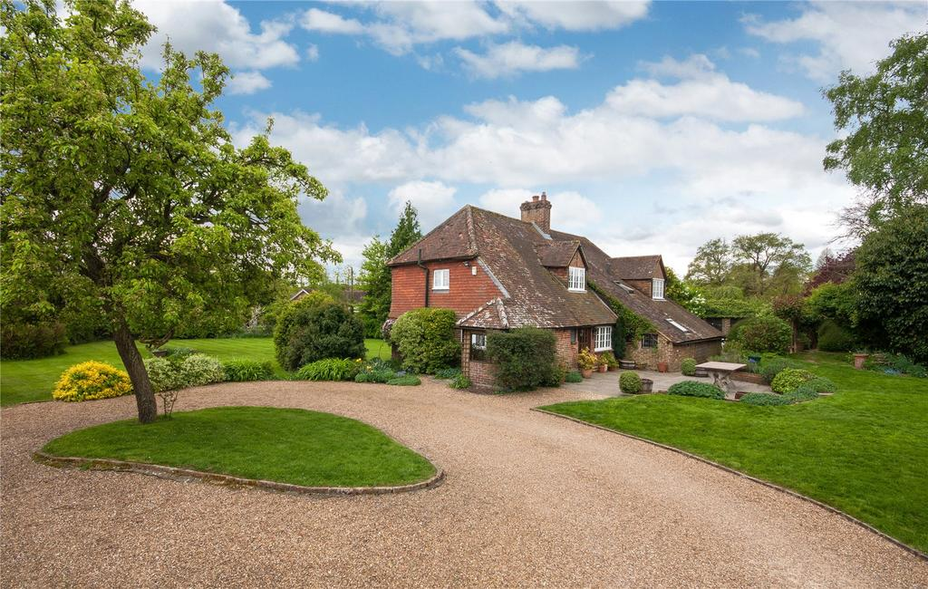 5 Bedrooms Detached House for sale in Flanchford Road, Leigh, Reigate, Surrey, RH2